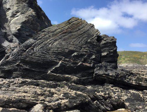 La historia geológica de Asturias escrita en sus acantilados: materiales